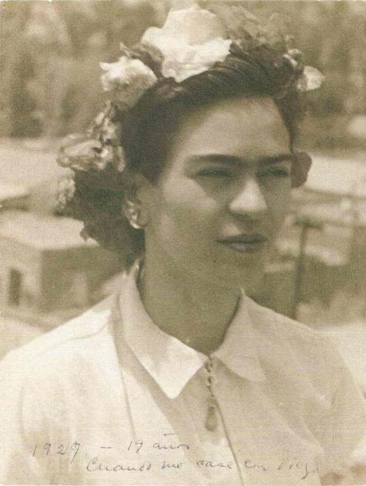 Гениальная художница Фрида Кало в молодости.
