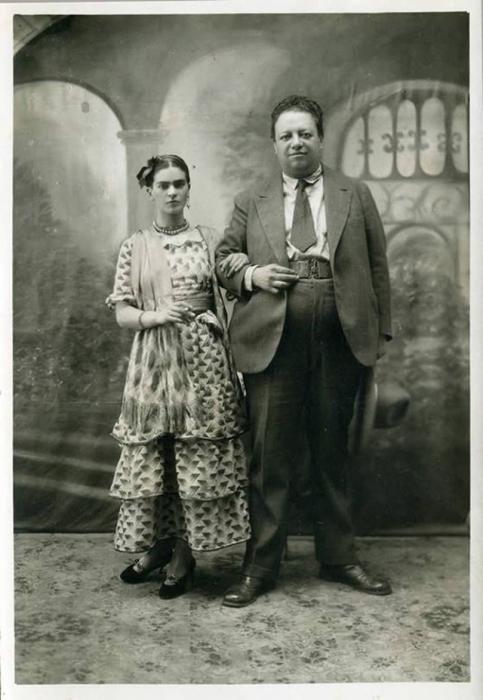 Диего Ривера и Фрида Кало в день свадьбы, 1929 год.