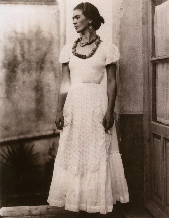 Фрида Кало в 1920-е годы.