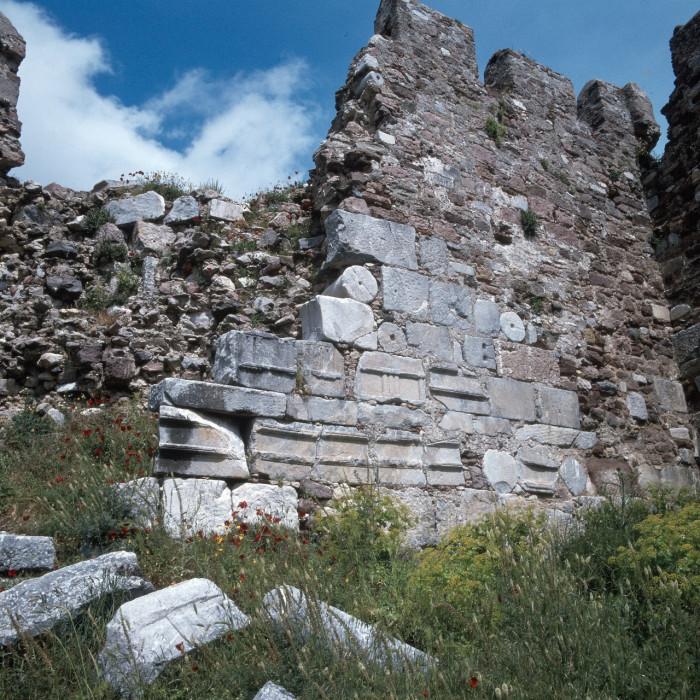 Византийская крепость на острове Лесбос.