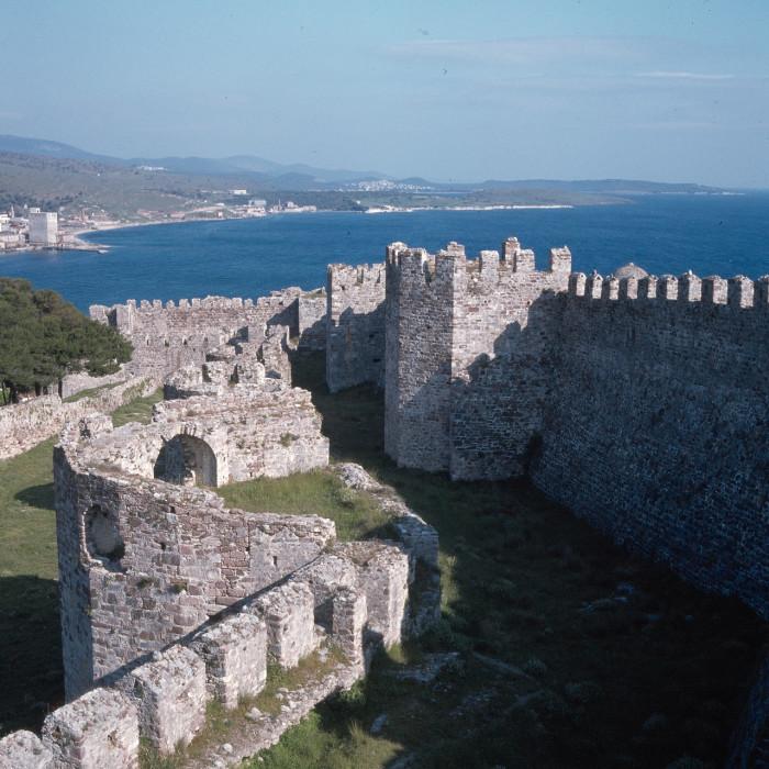 Генуэзский участок стены в северной части крепости.