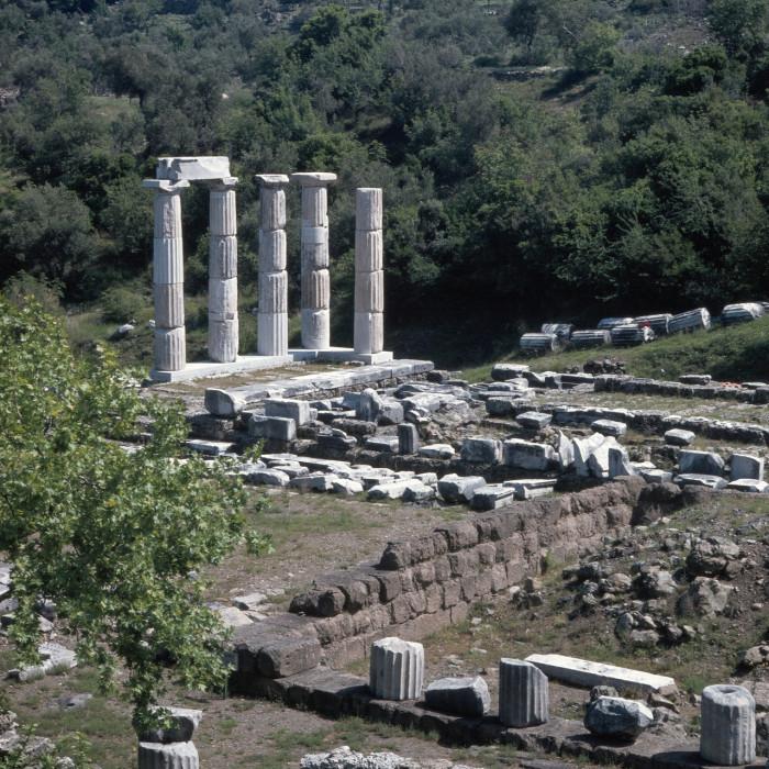 Святилище великих богов, вид с севера на юг.