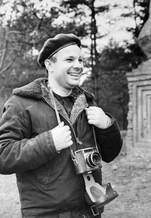 Юрий со своей камерой, осень 1965 года.