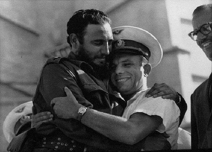 Юрий Гагарин встречается с Фиделем Кастро в Гаване, Куба, 1961 год.