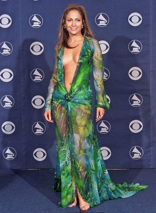 Лопес - американская актриса, певица, танцовщица, модельер, продюсер и бизнес-вумен.