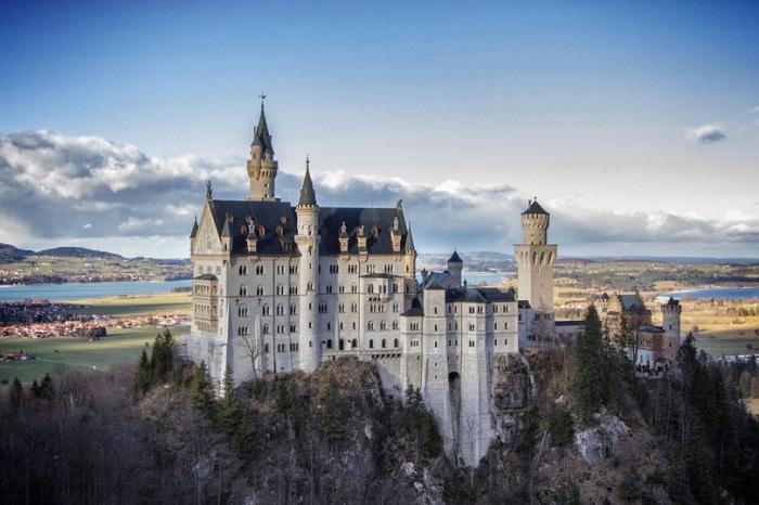 Сокровище Альп, отражение древнегерманского эпоса в камне.