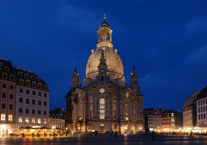 Евангелическо-лютеранская церковь в Дрездене, является печальным символом боли немецкого народа.