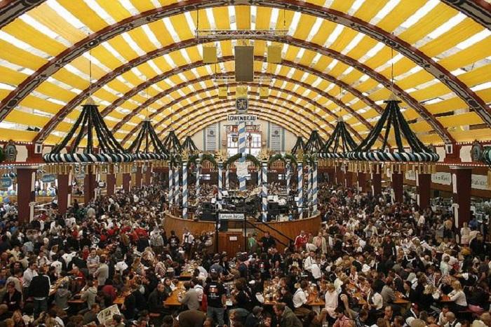 Крупнейший в мире фестиваль пива, является неотъемлемой частью баварской культуры.