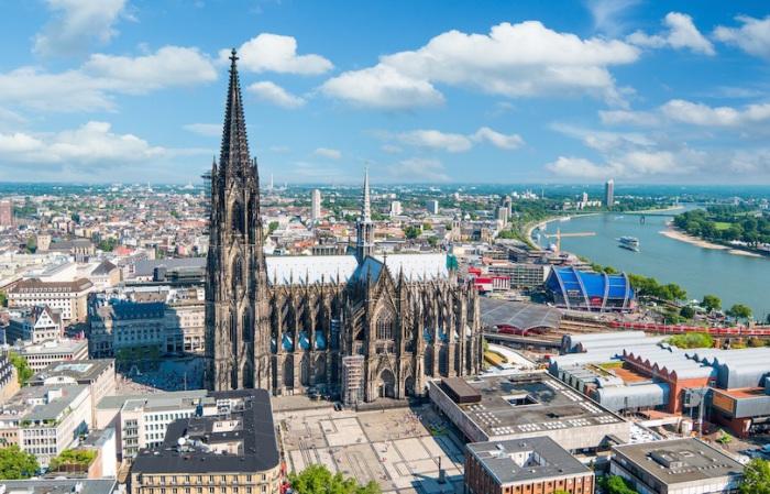 Самый большой собор в стиле готики на территории Германии, самая знаменитая достопримечательность Кельна.