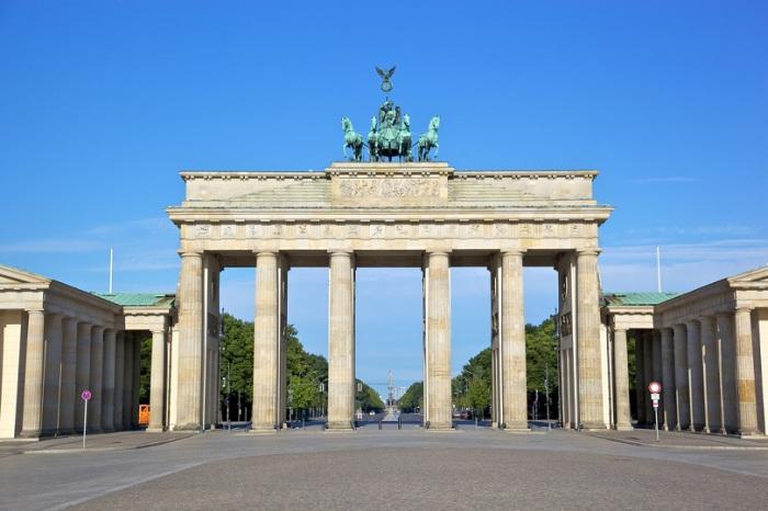 Бывшие городские ворота столицы Германии, которые для всех туристов являются одним из символов Берлина и всего немецкого государства в целом.