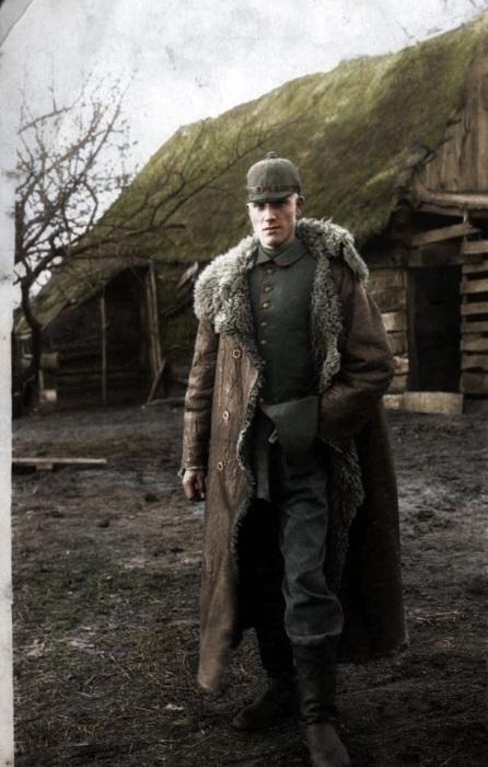 Портрет солдата в богатой верхней одежде, сделанный на Восточном фронте.