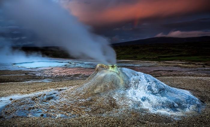 Снимок Alban Henderyckx «Огонь на ледяной планете».
