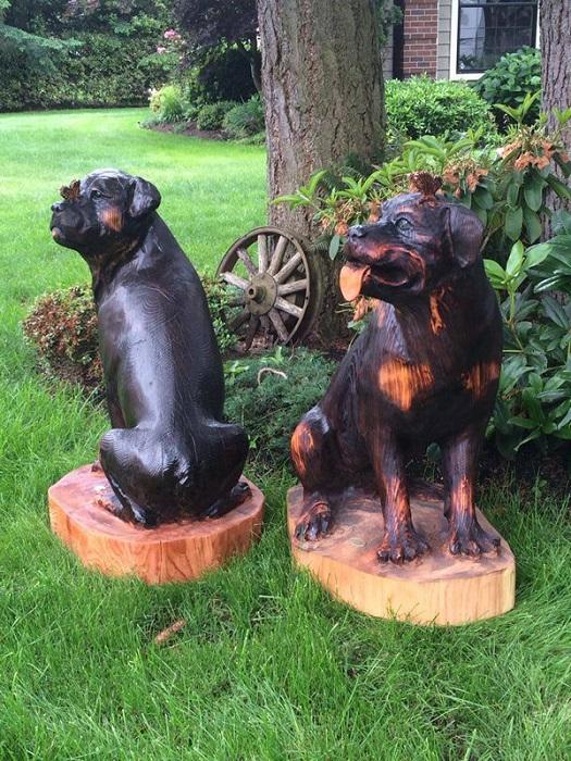 Автором этой деревянной пары является американский скульптор Боб Кинг (Bob King), которого называют королем деревянной скульптуры. | Фото: pinterest.com