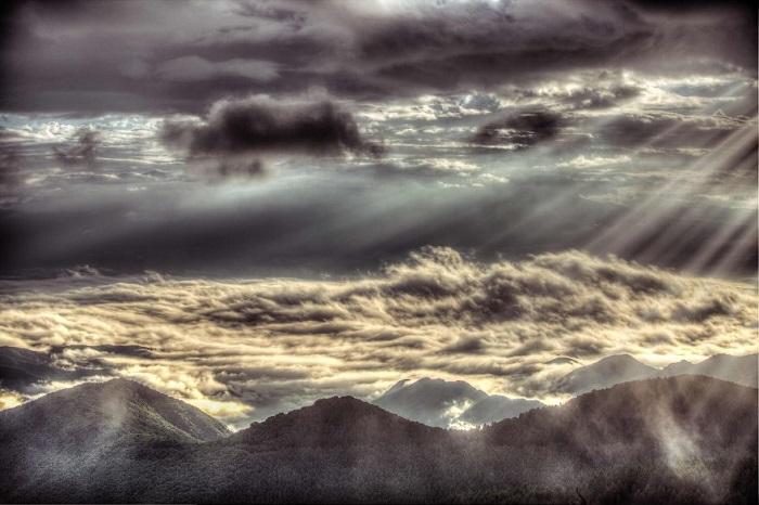 Как и у любого другого состояния природы, у хмурого неба есть своя прелесть.