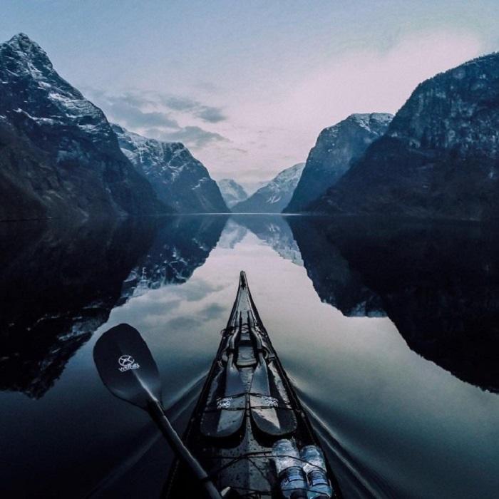 Прогулка на каяке по норвежским фьордам.
