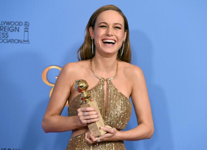 Обладательница премии «Золотой глобус» в категории «Лучшая актриса в драматическом фильме» за роль Джой «Ма» Ньюман в фильме «Комната».