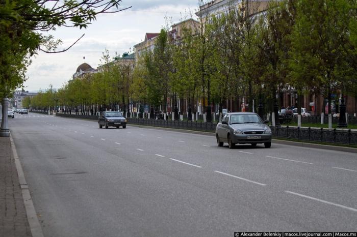 Сегодня в Грозном практически нет туристов и большого наплыва автомобилистов.