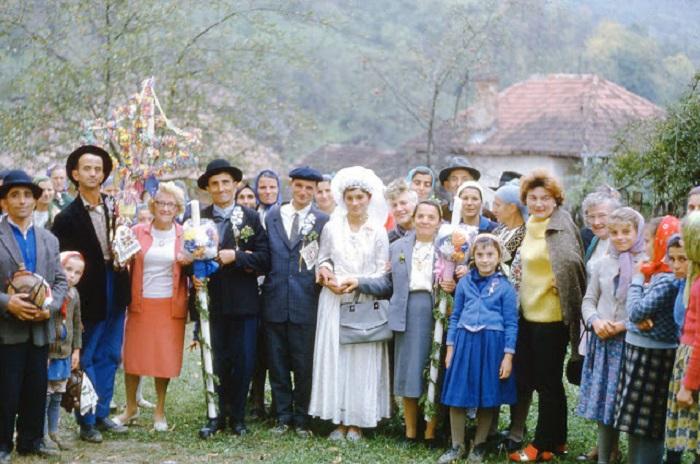 Свадьба цыган проживающих в обычной деревне.