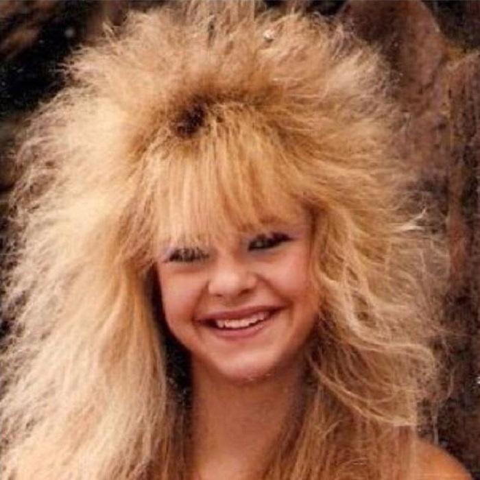 … и баллончик лака для волос, чтобы зафиксировать всю эту «красоту».