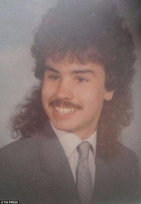 Маллет на кудрявых волосах – несбыточная мечта многих мужчин 1980-х годов.