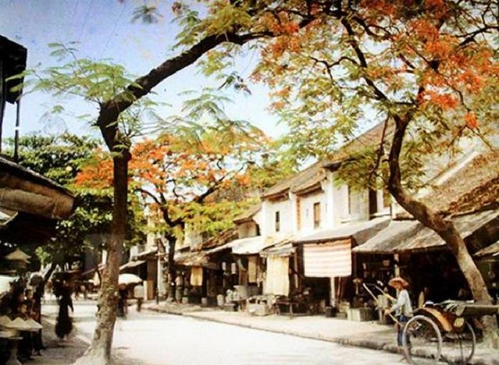 Панорама улицы Ханг Тьек – место скопления жестянщиков, которые делали различные вещи из листового металла.