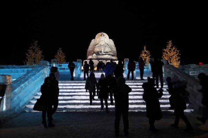 Зрелищный фестиваль льда и снега.