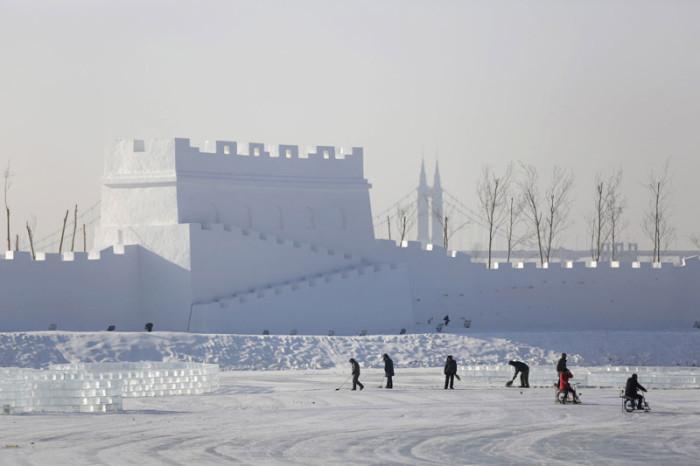 Роскошная снежная крепость.