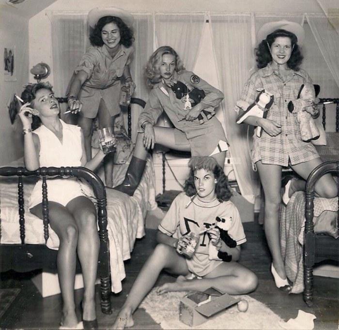 Женское объединение корнями уходящее во времена Второй мировой войны.