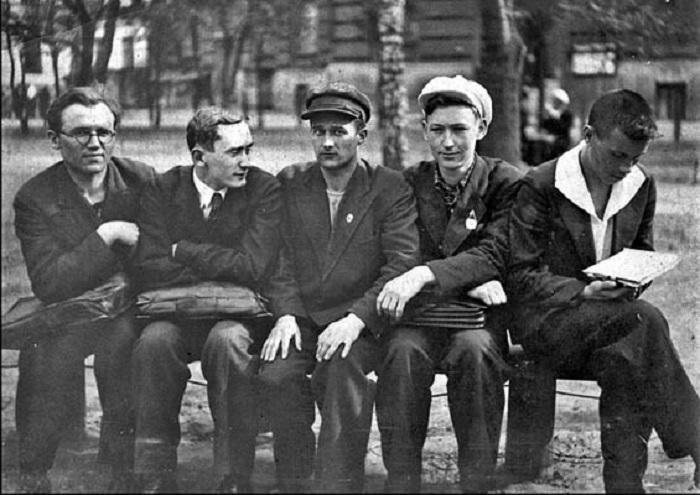 Создание геологической базы и специалистов было необходимо для Советского государства в 30-е годы.