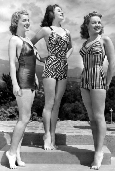 Американские актрисы позируют перед фотографом для обложки глянцевого журнала.