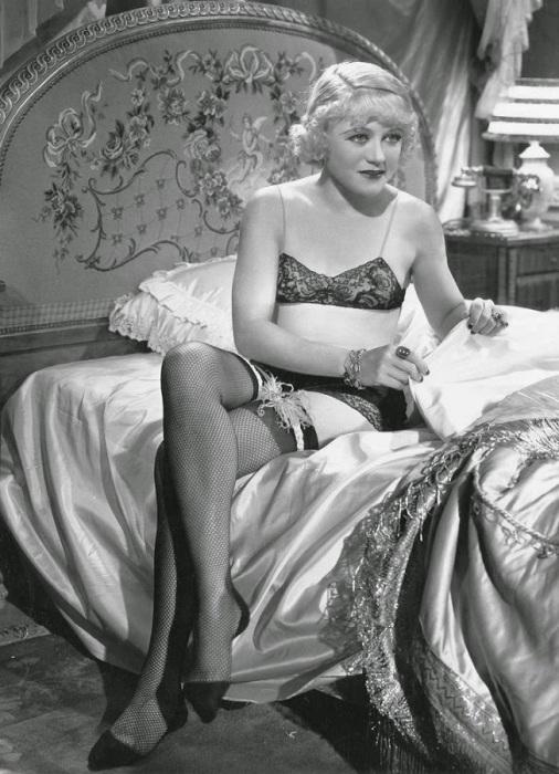 Винн Гибсон начала сниматься в сериалах и кино в качестве актрисы с 1929 по 1954 годы.