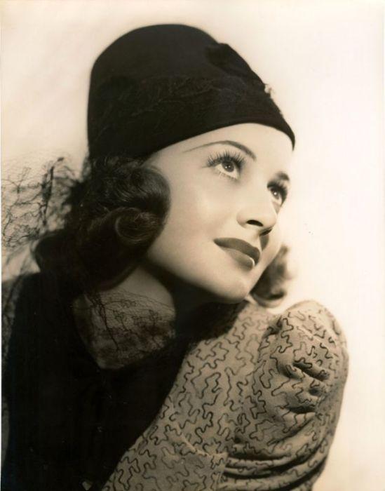Одна из самых востребованных актрис Голливуда 1930-х и 1940-х годов смогла получить две премии «Оскар» за лучшую женскую роль.