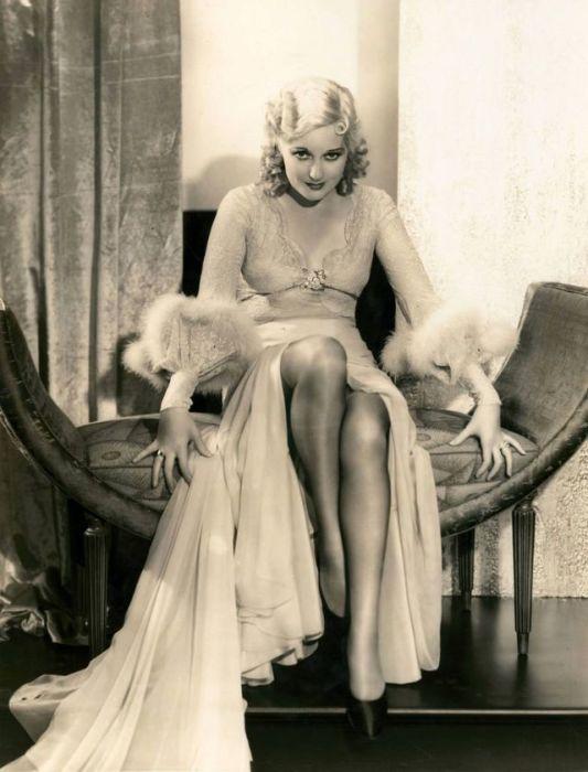 Американская киноактриса прославилась ролями в комедийных фильмах как немого, так и звукового кино.