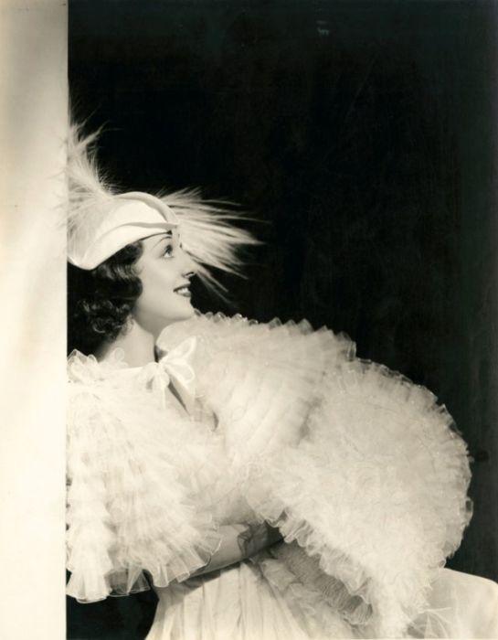 После скандала с крупной кинокомпанией «Warner Bros.» американская актриса работала вне штата на различных студиях.