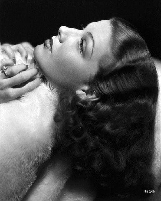 Ради карьеры киноактрисы Энн бросила учебу в колледже, а ее дебют состоялся в фильме студии «Paramount Pictures».
