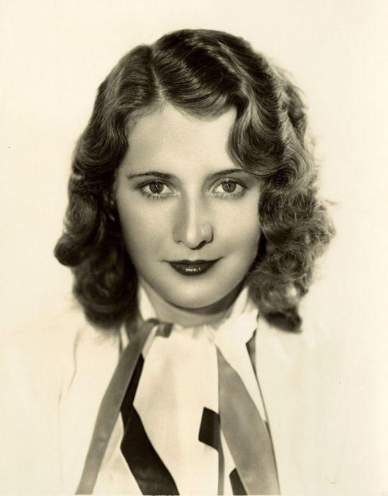 Американская киноактриса была четырежды номинирована на премию «Оскар» в период с 1930-го по 1940-й год.