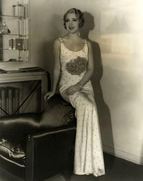 В 1930-м году актриса была одной из основных звезд мюзиклов, выпускаемых киностудией «RKO».
