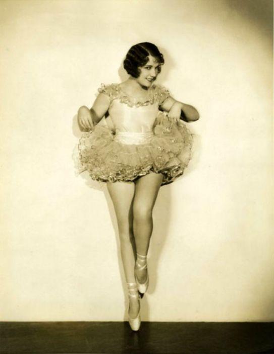 Американская певица и киноактриса снялась всего в 13-ти фильмах в период с 1930-го по 1938-й год.