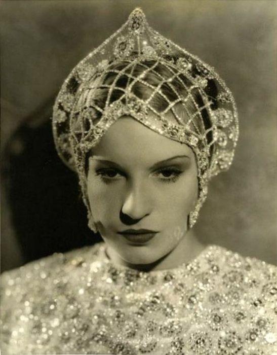 Французская актриса стала знаменита скорее не благодаря таланту, а из-за браков с известными деятелями киноиндустрии.