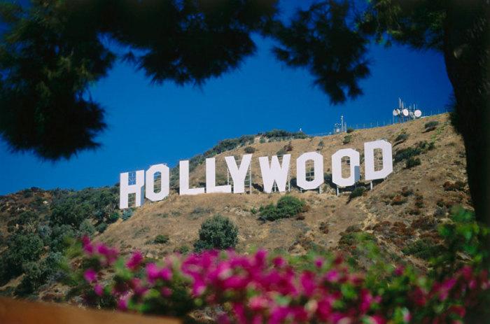 Знаменитый памятный знак на Голливудских холмах.