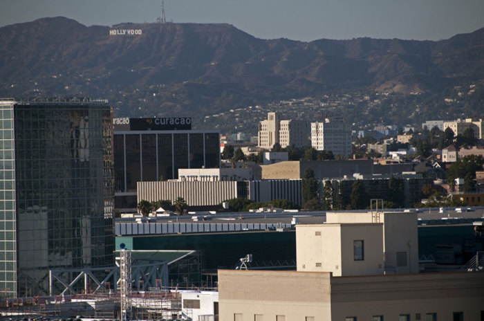 Знак «Hollywood» расположен на южном склоне горы Маунт Ли.