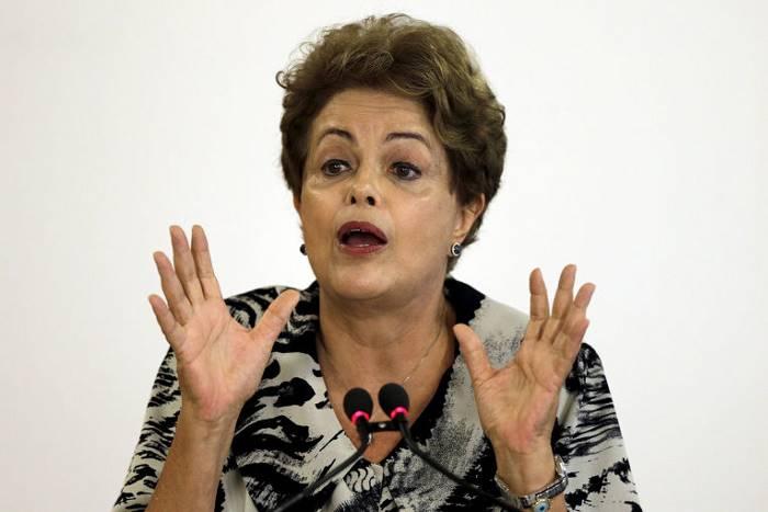 Первая женщина-президент в истории Бразилии.
