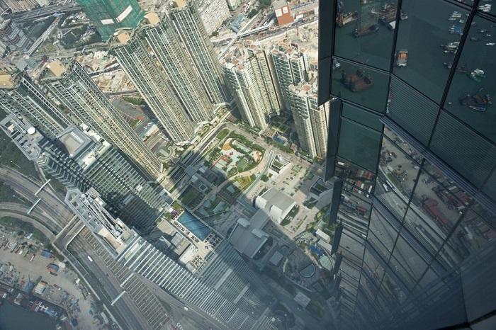 484-метровый небоскрёб в западной части района Коулун.