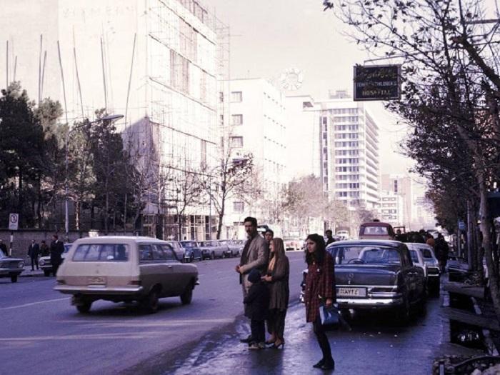 Бульвар Takht-e Jamshid в Тегеране.