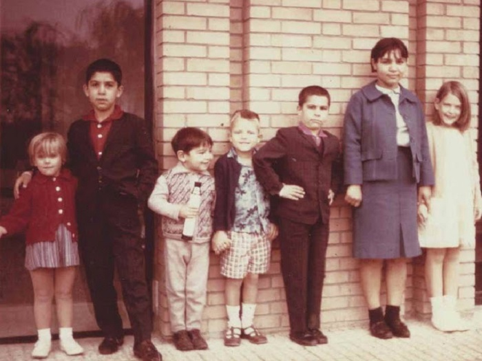 Дети одной из иранских семей.