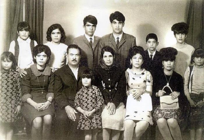 Семейная пара со своими 12-ю детьми, 1967 год.