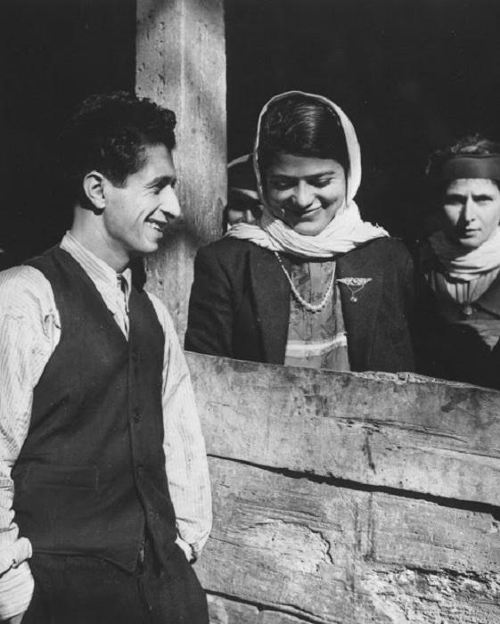 Молодая пара в провинции Мазендеран на севере Ирана.
