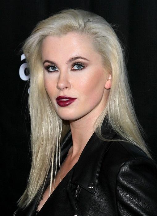 Эффектная фотомодель, дочь голливудских актеров Ким Бейсингер и Алека Болдуина. /Фото: sawfirst.com