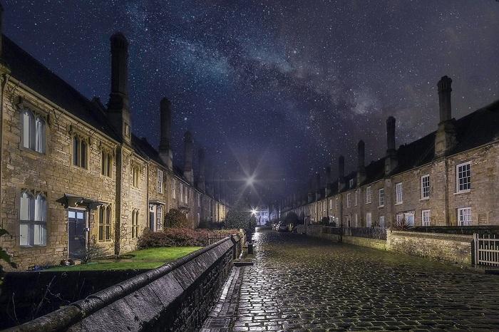 Финалист конкурса - фотограф Роуз Аткинсон (Rose Atkinson), запечатлевшая старейшую улицу Европы, которая не изменялась на протяжении 650-ти лет.