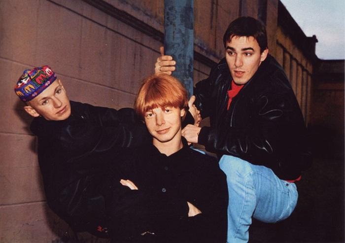 «Иванушки International»» и другие популярные группы и исполнители из 90-х.